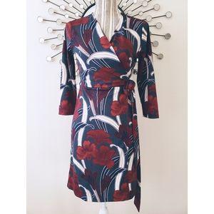Ann Taylor   Floral Print Wrap Dress V-neck sz 4P